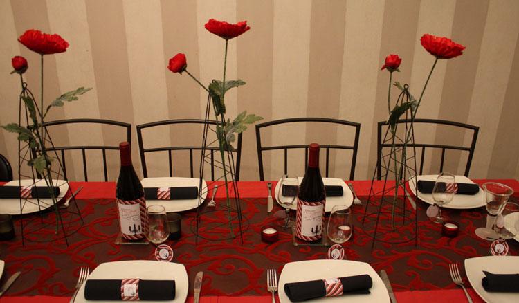 D coration de table rouge et noir tomate cerise for Deco table noir et rouge