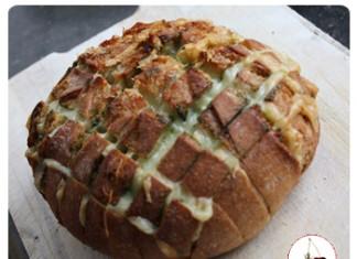 Un délicieux pain au Comté est pesto à partager entre amis…