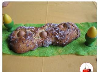 Brioche de Pâques aux oeufs cuits durs et sucre perlé