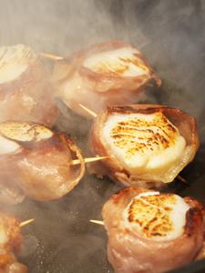 http://www.tomate-cerise.be/poisson/Noix-de-Saint-Jacques-jambon-de-Parme.html