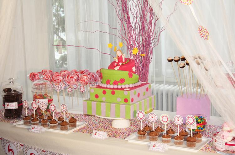 Fee Une Sweet Table D Anniversaire Feerique Et Coloree