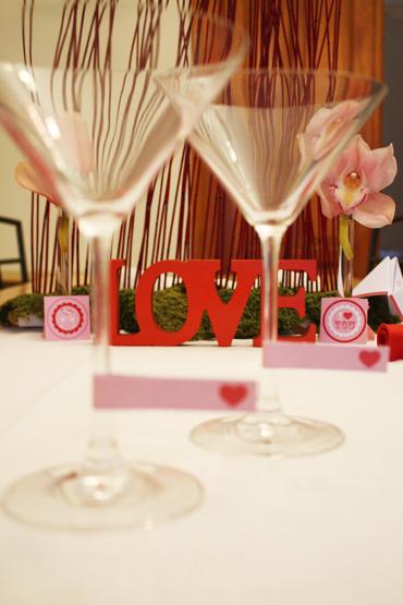 Décoration de table rouge pour la Saint Valention ou soirée entre amoureux