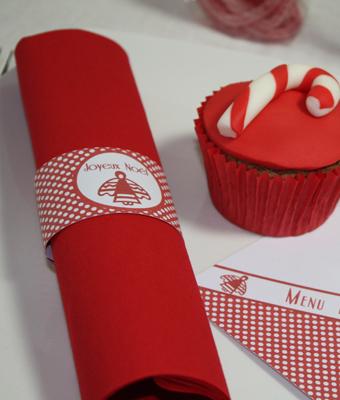 Mon no l rouge pois d coration de table - Deco de sapin de noel rouge et blanc ...