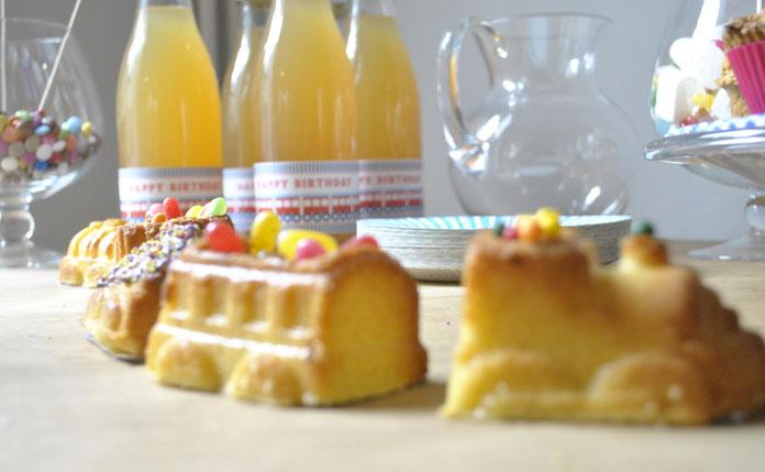 TomateCerise-decoration-anniversaire-train-cake-train-contour-bouteille