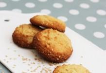 Biscuits au sésame et jaune d'œuf