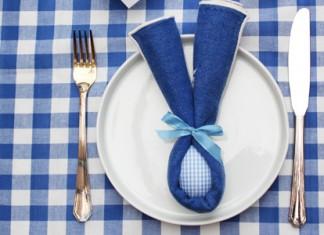 Pliage de serviettes de Pâques | Oreilles de lapin