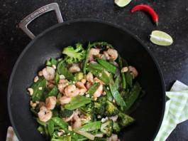 Wok aux crevettes et légumes printanier