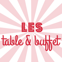 Table et buffet en fête
