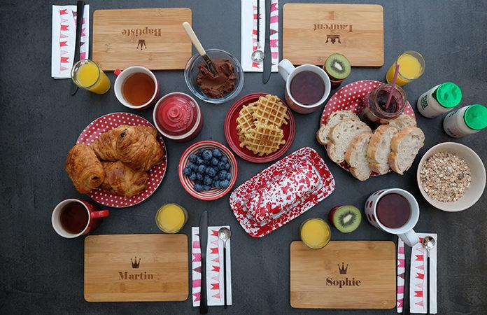 une table de petit d jeuner personnalis e une id e cadeaux tomate. Black Bedroom Furniture Sets. Home Design Ideas