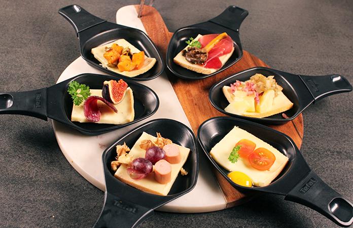 Raclette party des id es gourmandes autour du fromage fondu tomate - Raclette pour 12 personnes ...