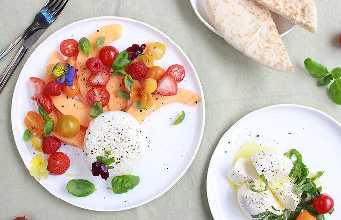 Salade de mozzarella aux fruits d'été