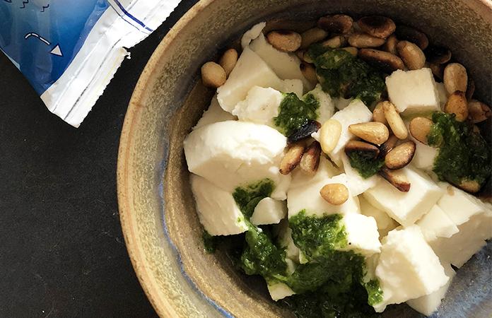 Salade de pomme de terre, pesto et mozzarella