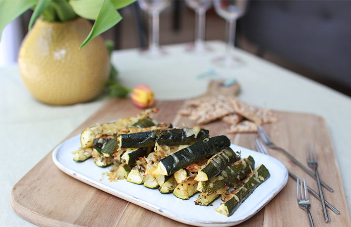Bâtonnets de courgettes au fromage | Une recette de légumes en vidéo