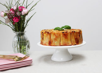 Pasta cake sauce bolognaise