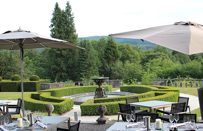 Manoir de Lébioles terrasse repas