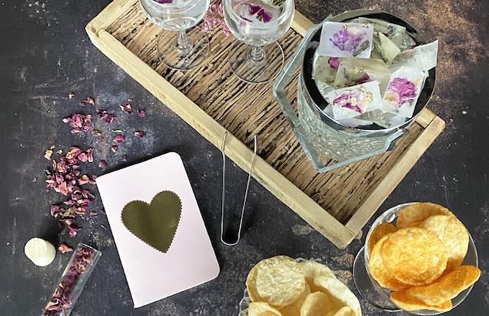 Faire des glaçons avec des fleurs comestibles | DIY